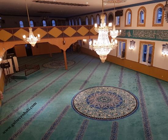 Camilerimiz ülkemizin her bir noktasında müslüman alemi için önem sarf eden bir yapılardır. Ülkemizde camilerimiz birden fazla motif ve desenle renklendirilip süslenirken her camiye farklı bir konsept katılmıştır.